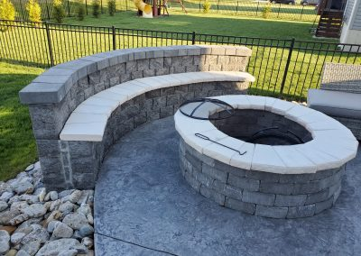 Firepit with seating wall